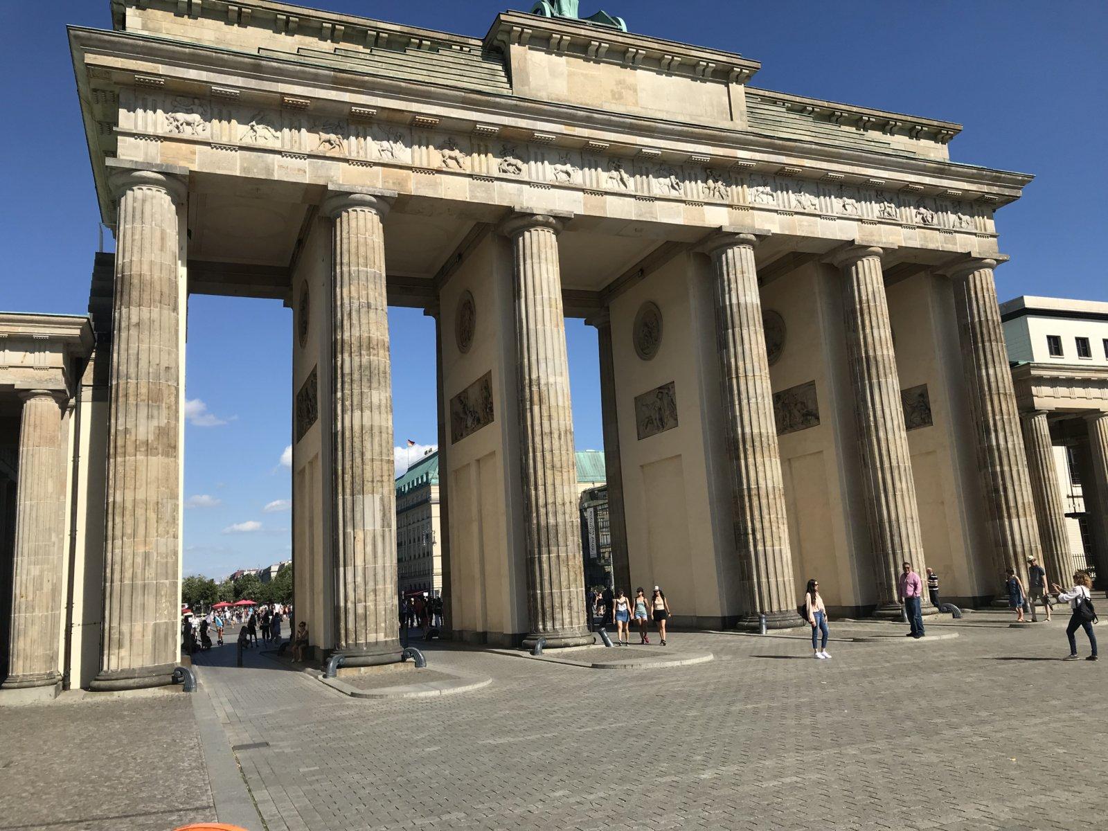 07-23 Brandenburg Gate 1