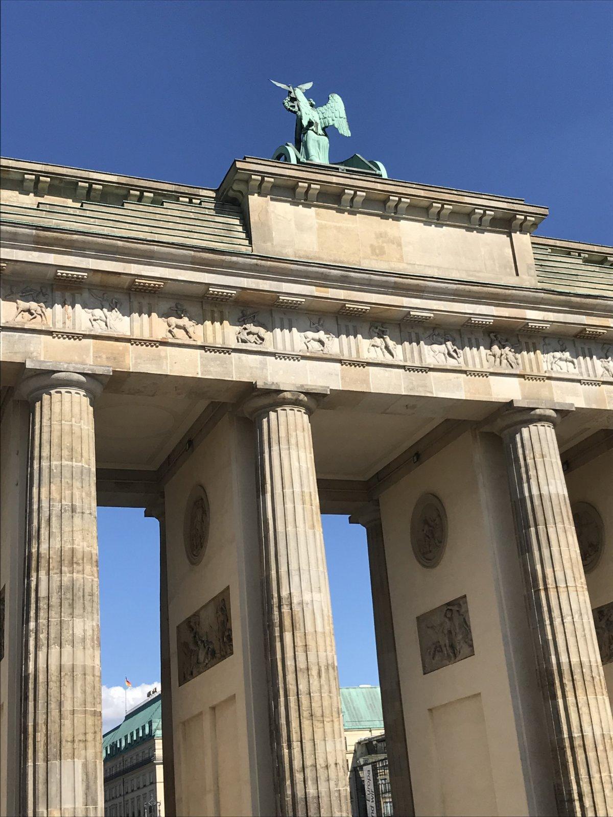07-23 Brandenburg Gate 2