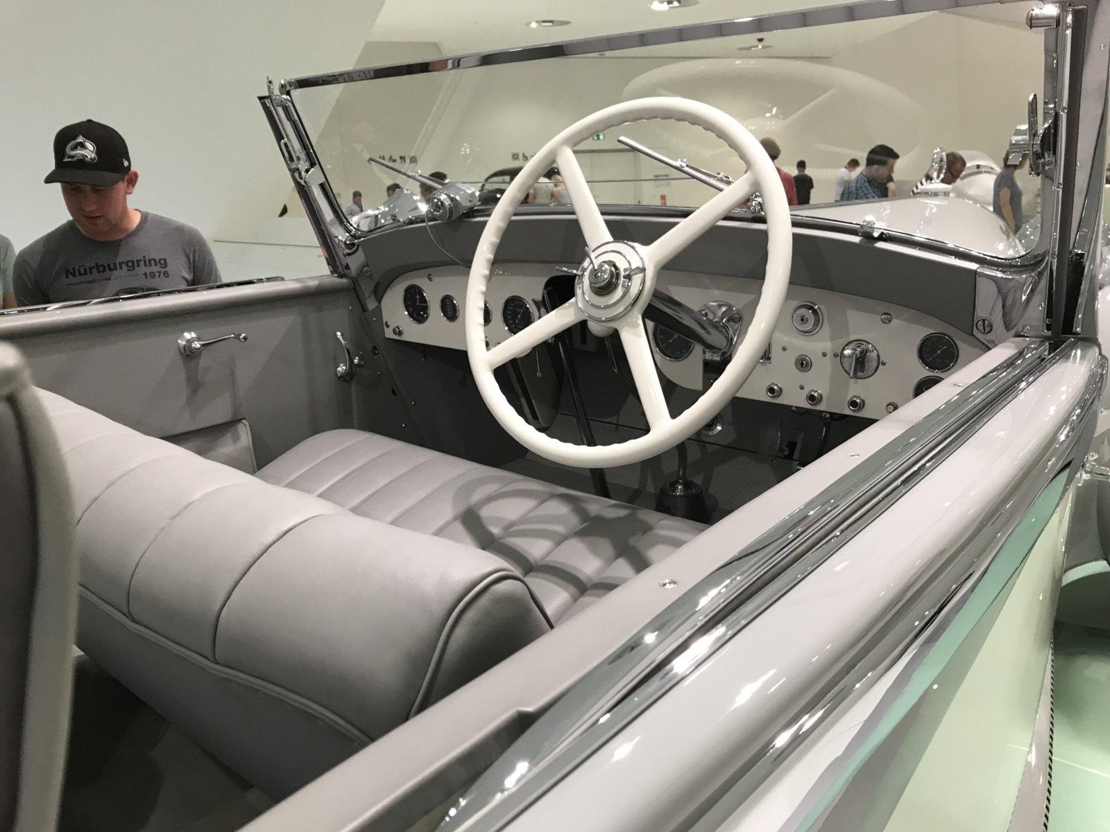 07-28 Porsche Car 01