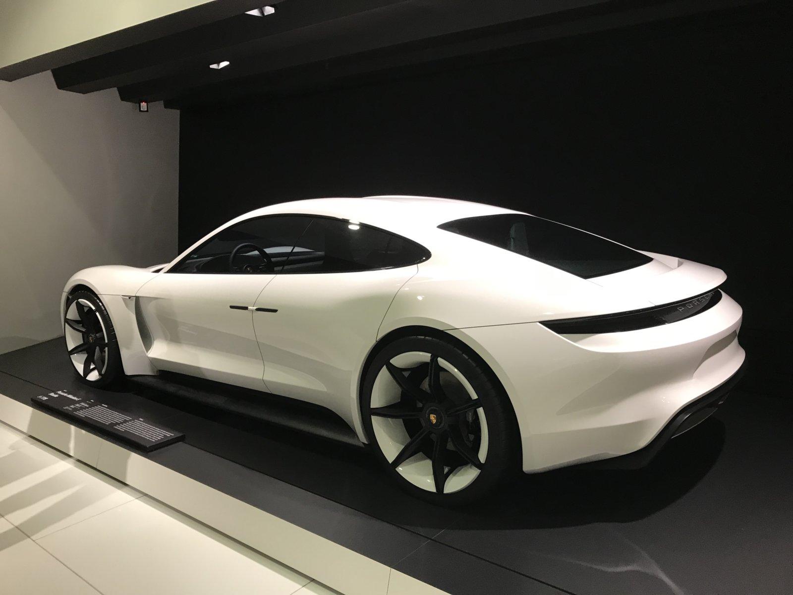 07-28 Porsche Car 21