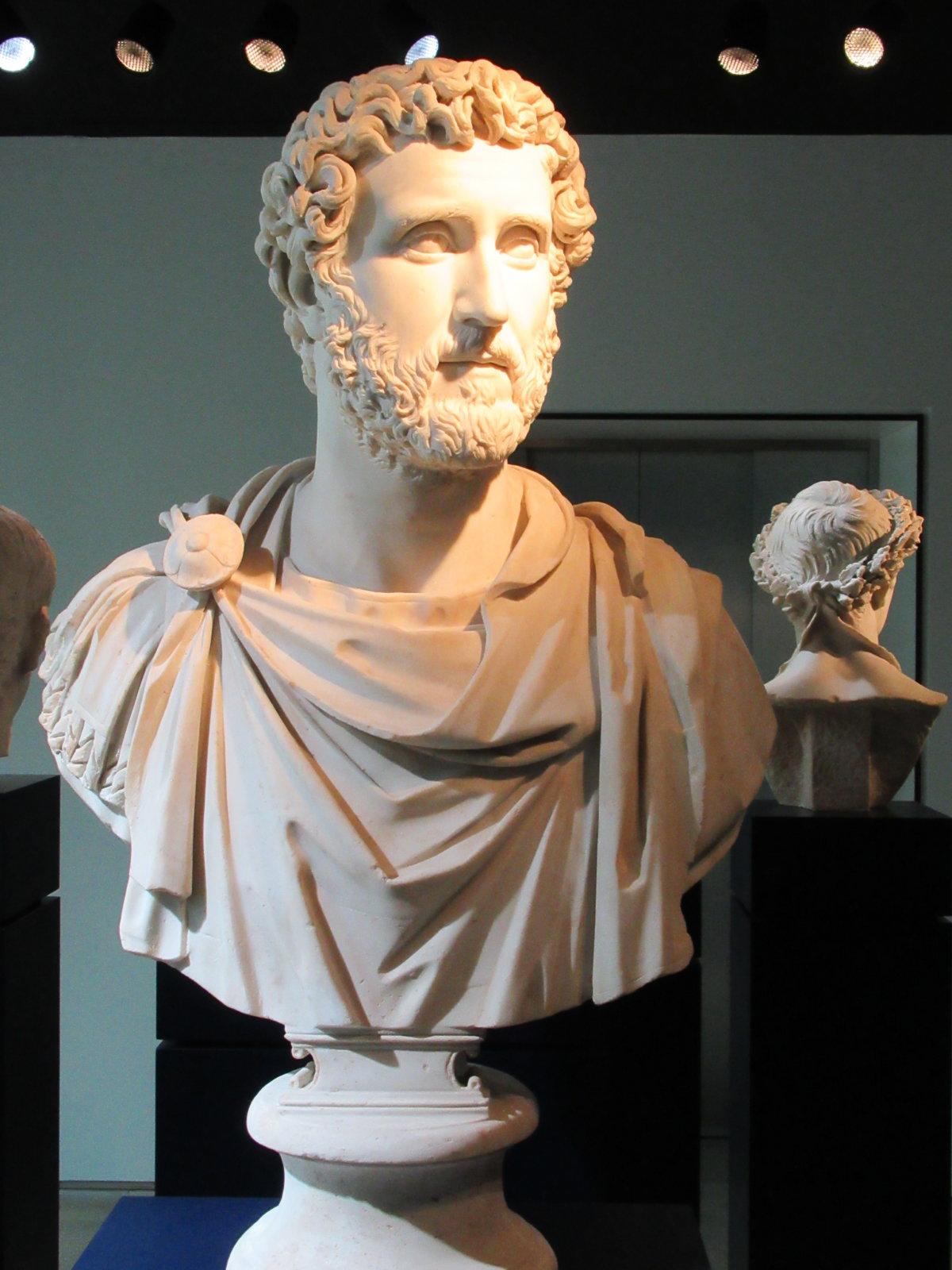 07-28 Statue 03