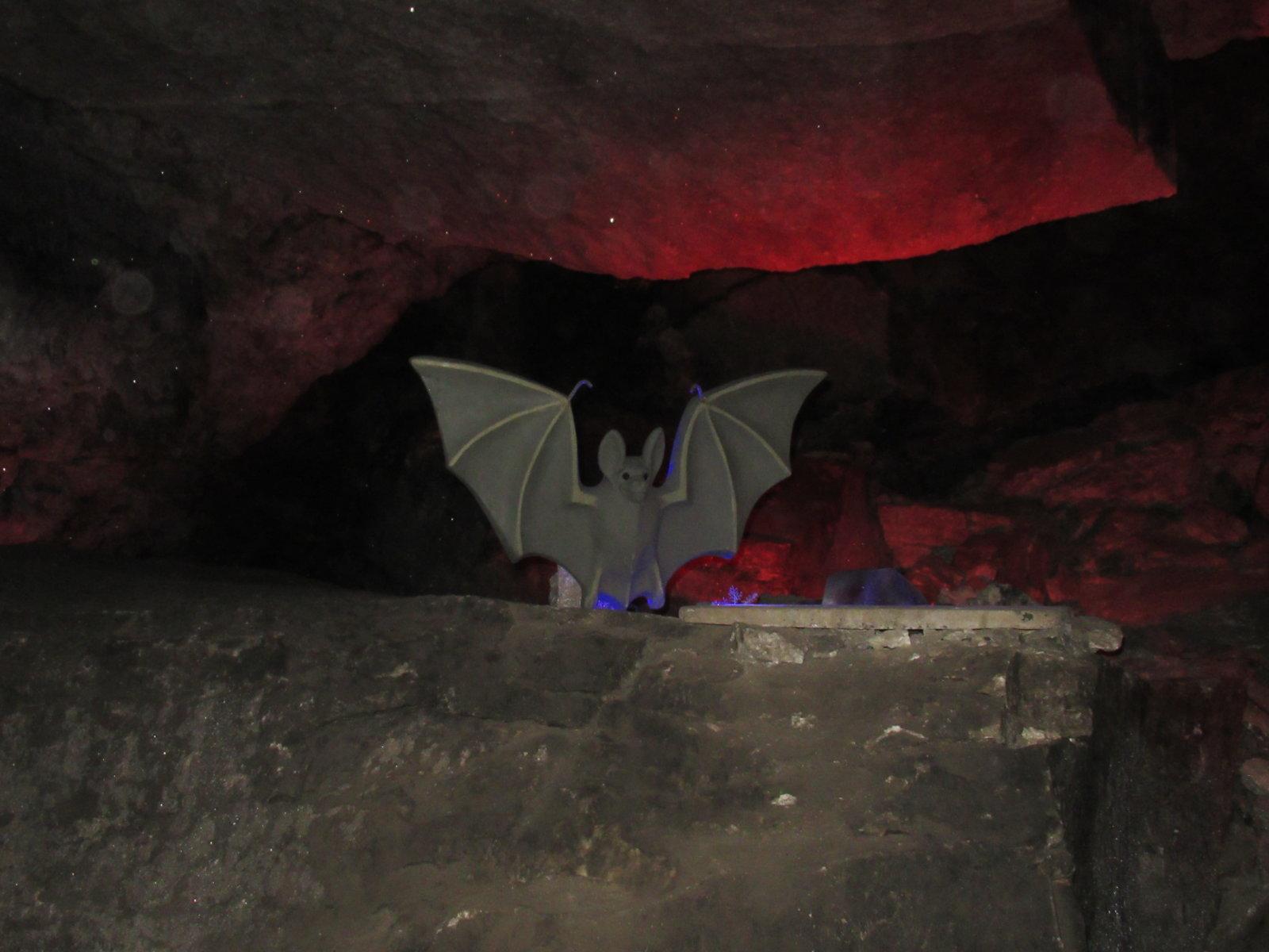 08-30 Cave Figure 03