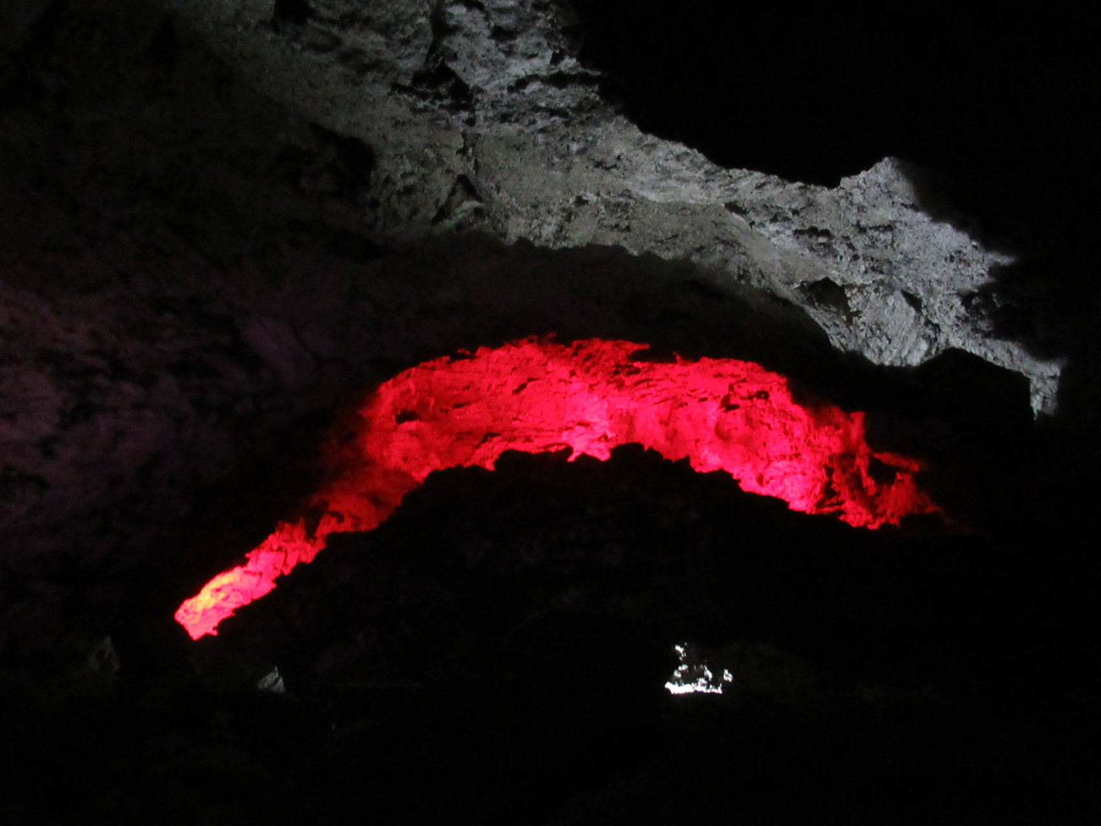 08-30 Cave Rocks 02