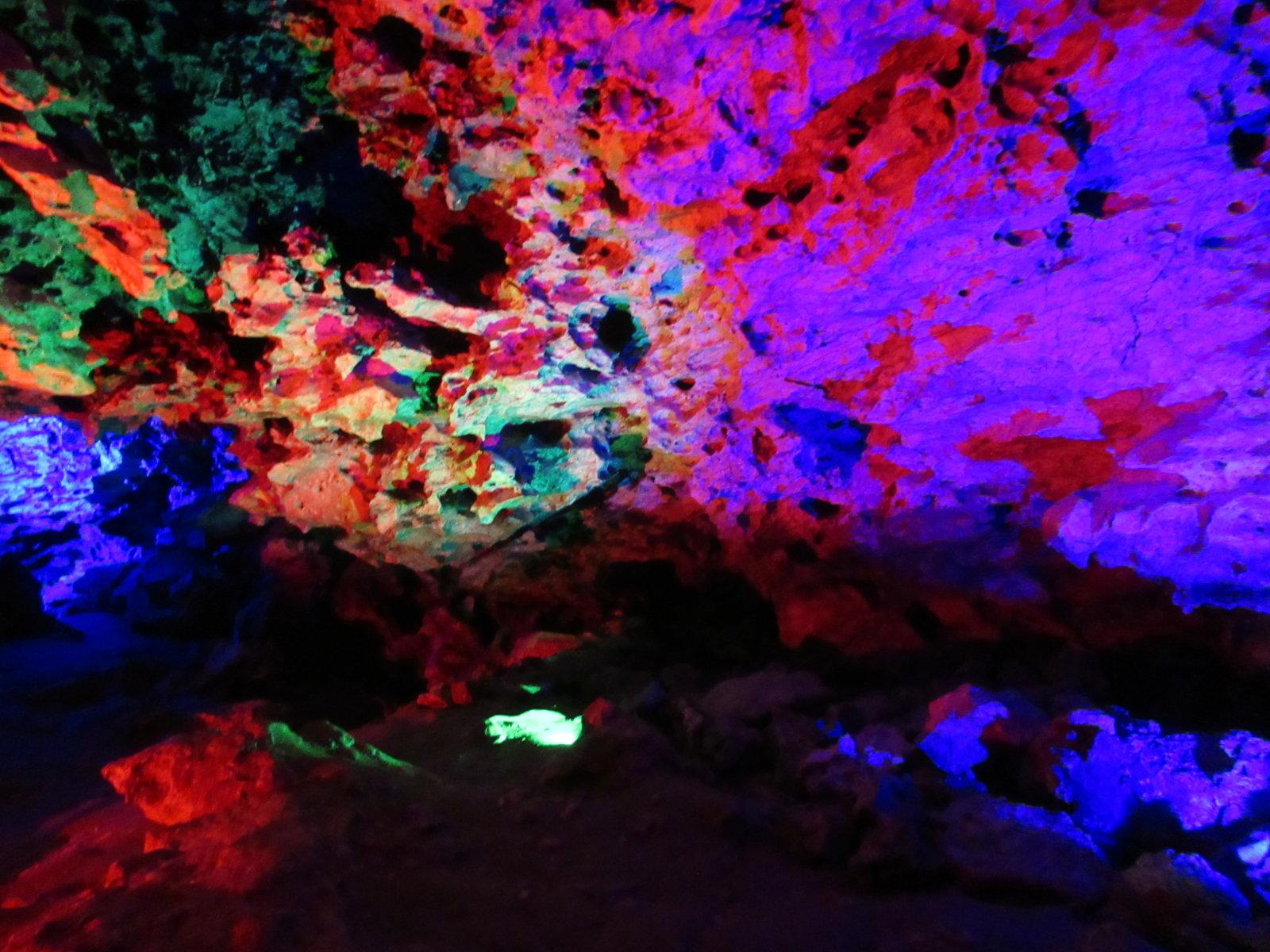 08-30 Cave Rocks 08