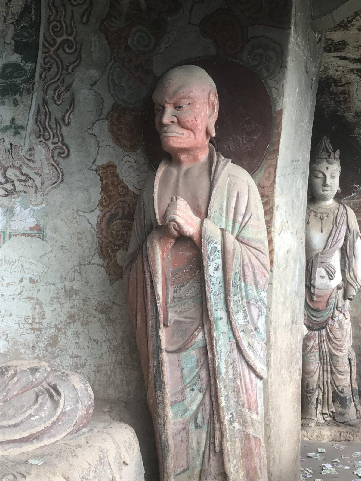 09-30 Temple Statue 04