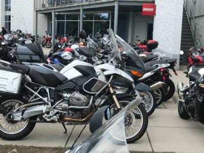 2018-BMWCharlotte-Bikes01Med