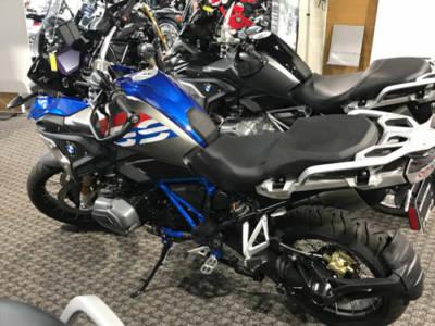 2018-BMWCharlotte-Bikes04Med