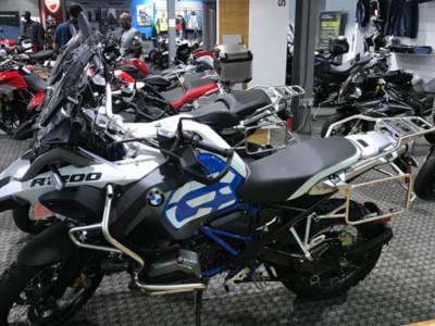 2018-BMWCharlotte-Bikes06Med
