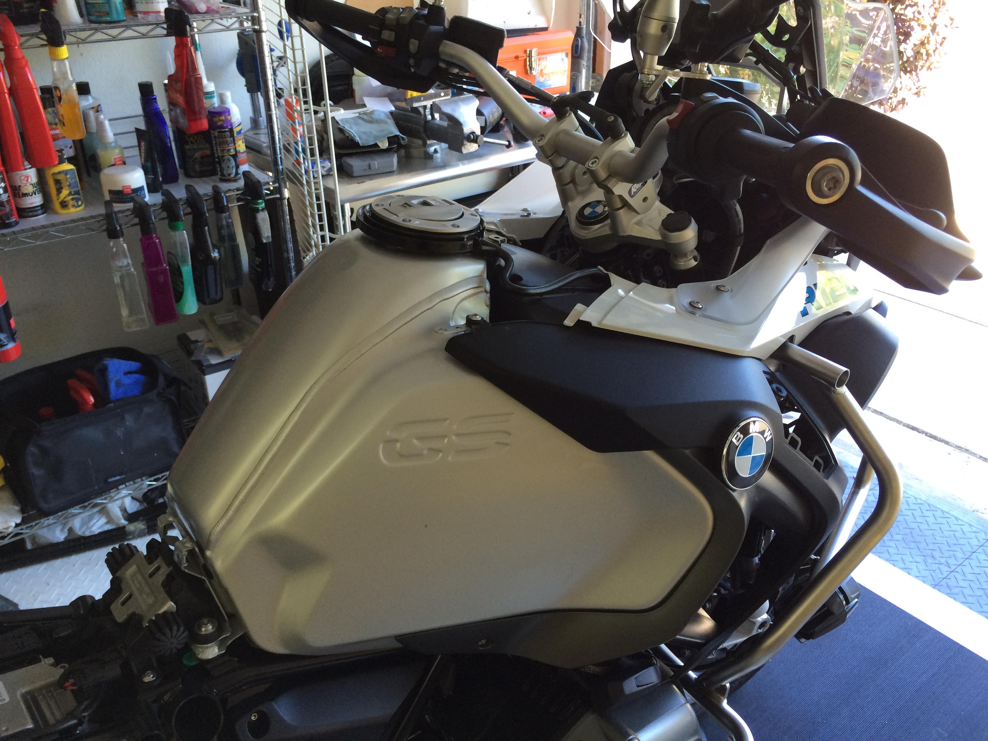 2015 GSA – The Vinyl Wrap (Installation) - Motorcycle Cliff